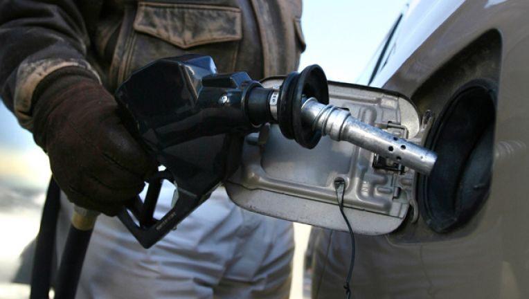 Name:  6413493e-Fill-Car-Gas-Prices-Closeup-Energy.jpg Views: 77 Size:  399 KB